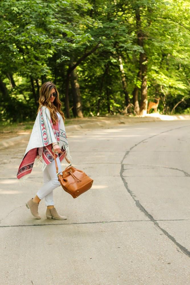 poncho-aztec-style-fashion-blogger