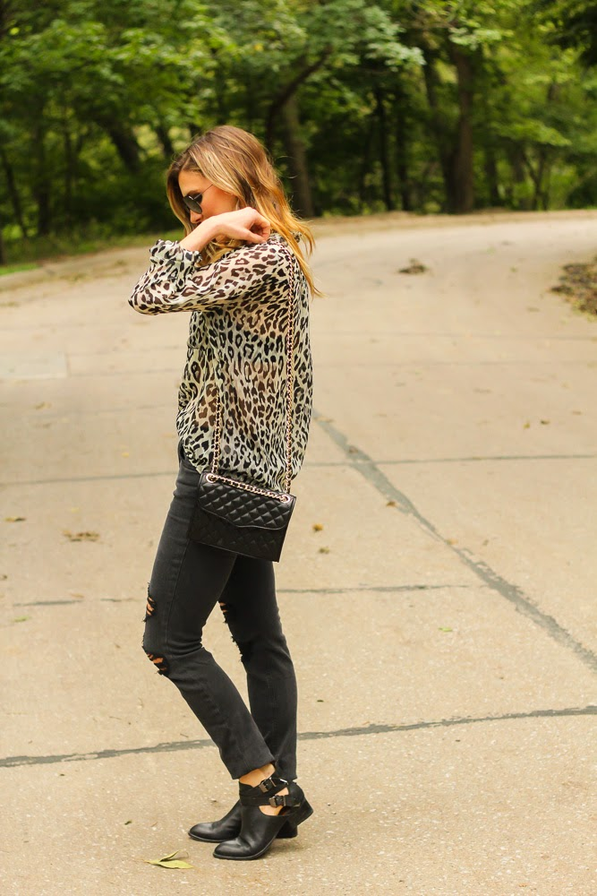 leopard-print-blouse-fashion-blog