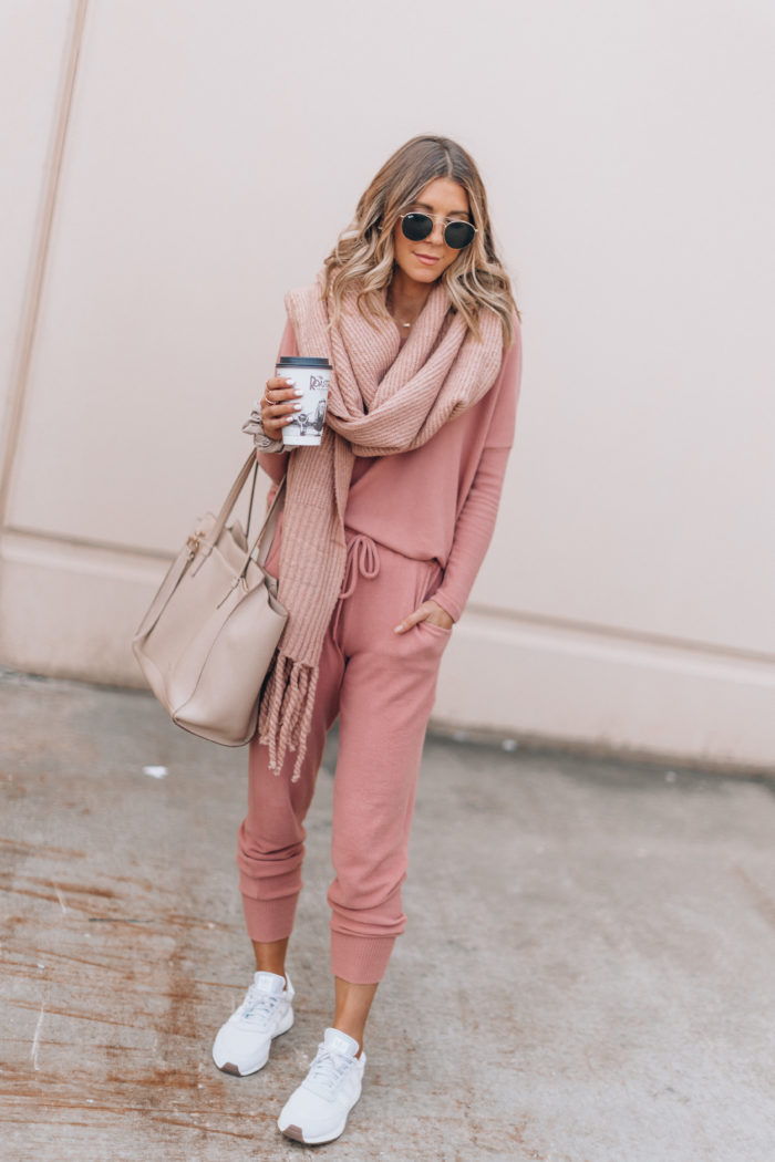f55132043 Cozy Outfits to Wear After You've Finished Thanksgiving Dinner ...