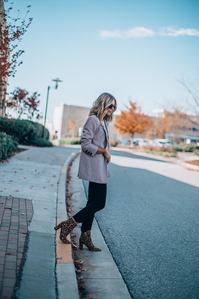 plaid blazer fall outfit