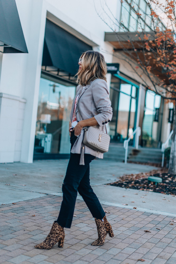 what to wear with paid blazer