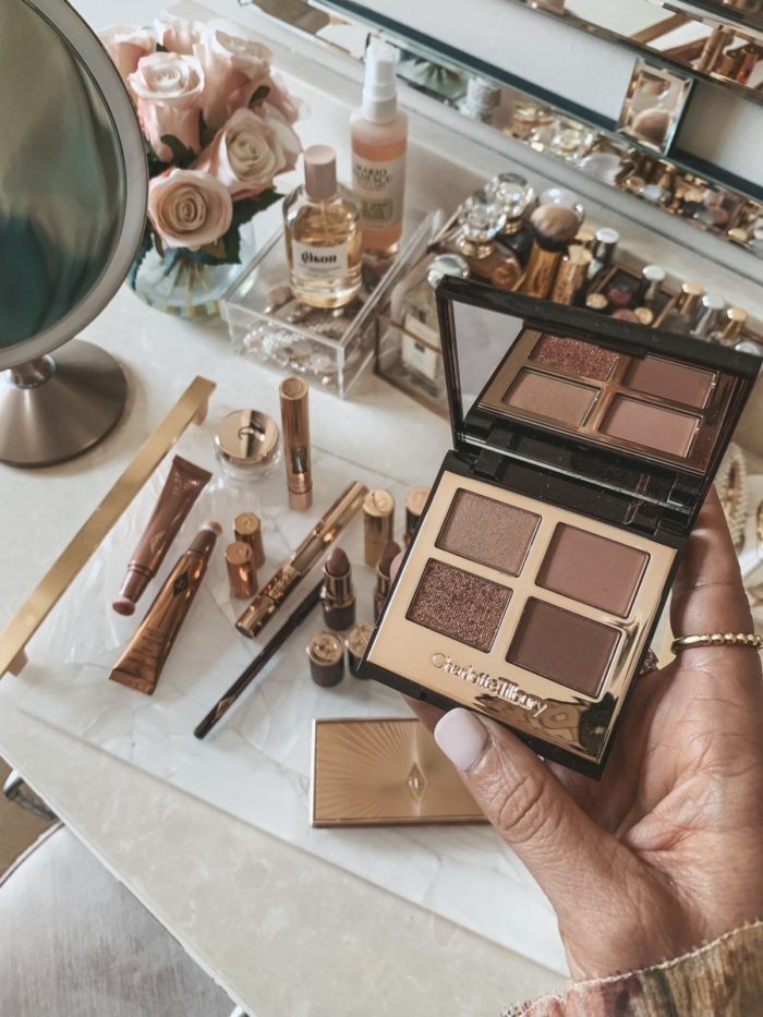 beauty gift idea featuring holiday eye shadow palette